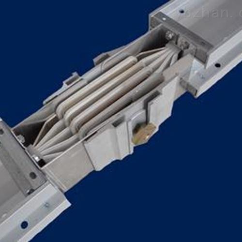 1100A密集型母线槽