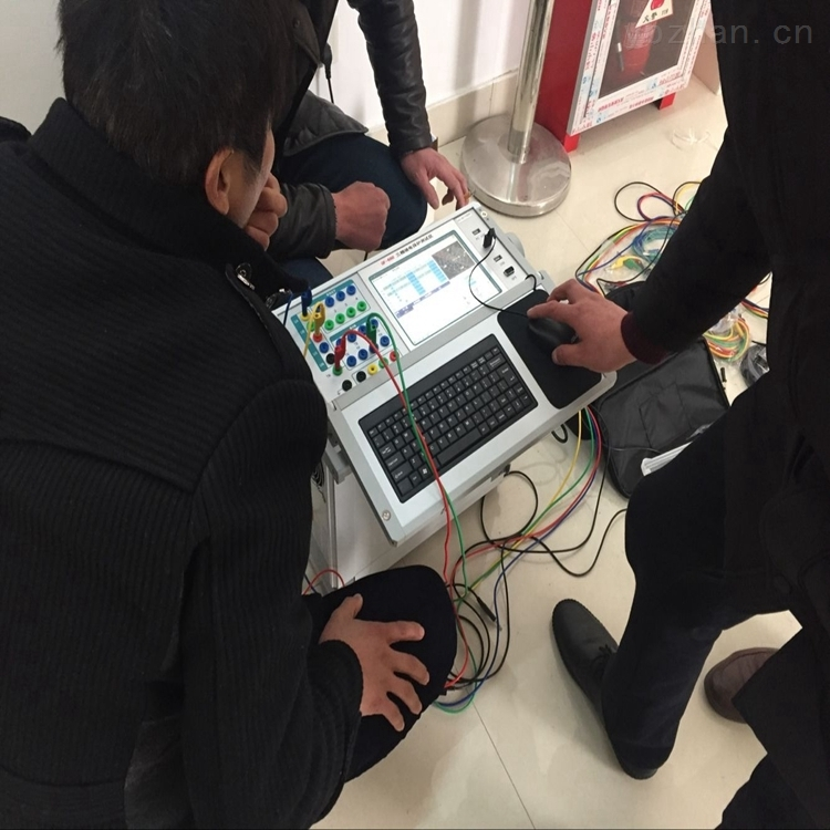 单片机综合继电保护校验仪