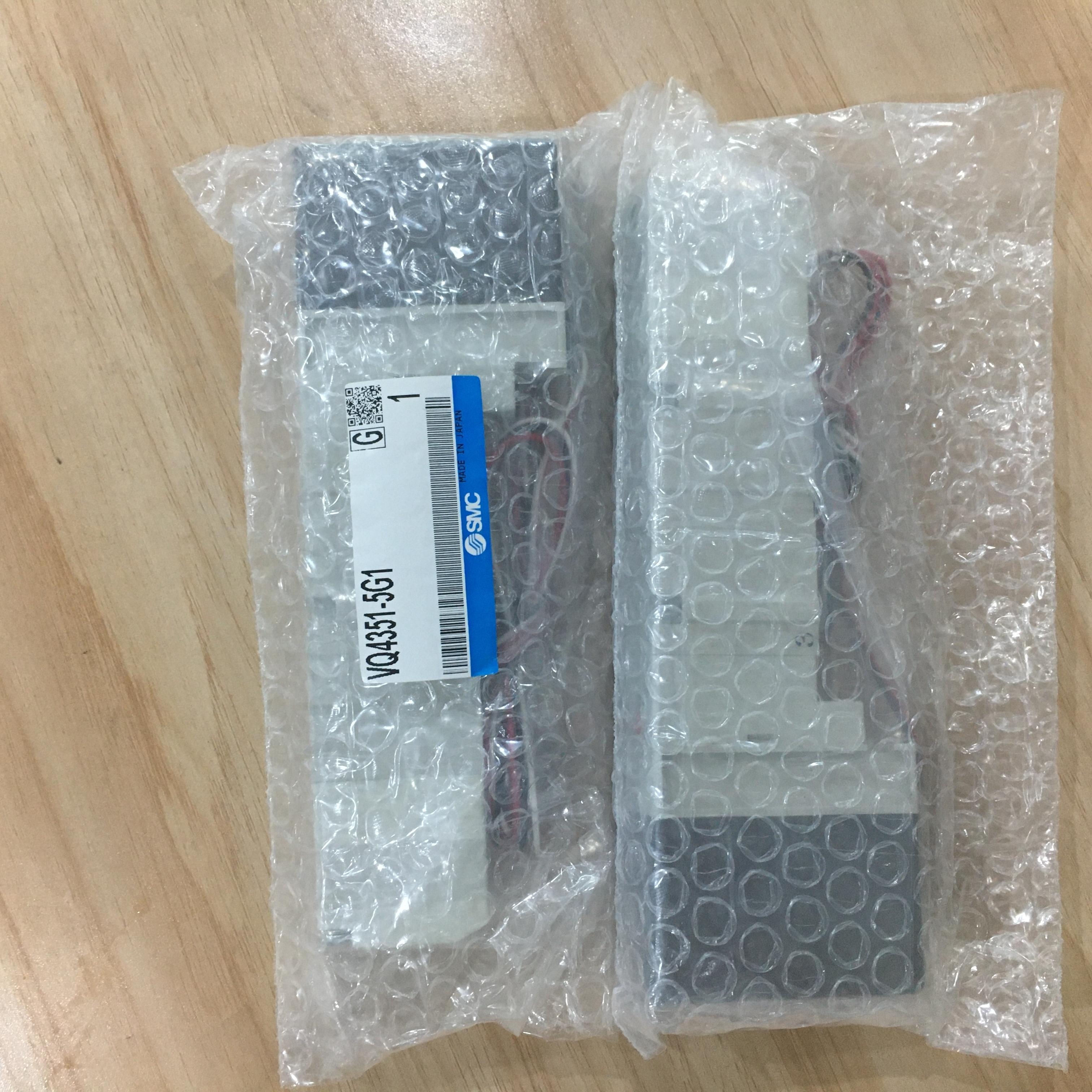 日SMC电磁阀插头引线式底板VQ4351-5G1